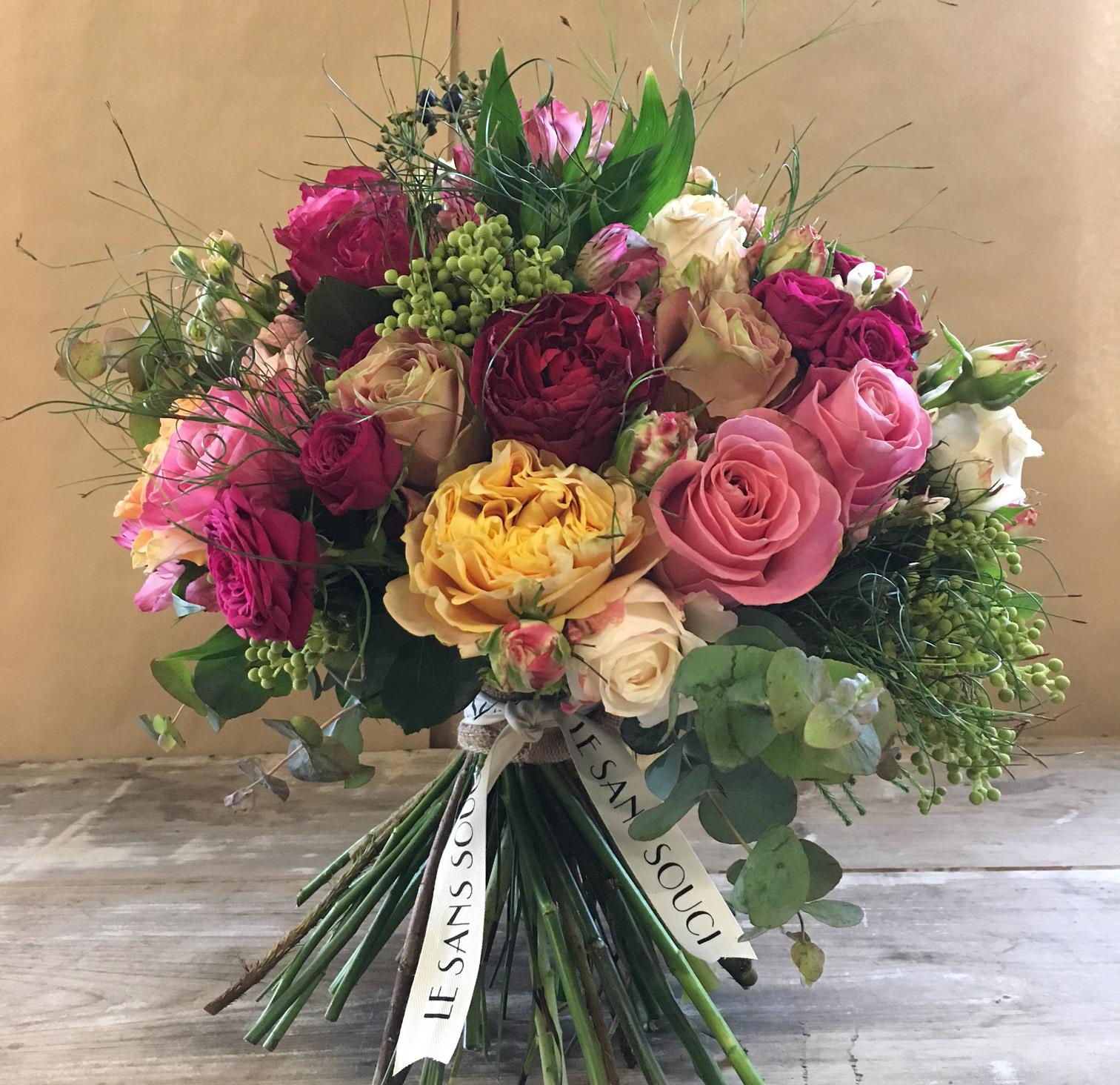Rosalind luxury bouquet le sans souci flowers rosalind luxury bouquet izmirmasajfo Choice Image