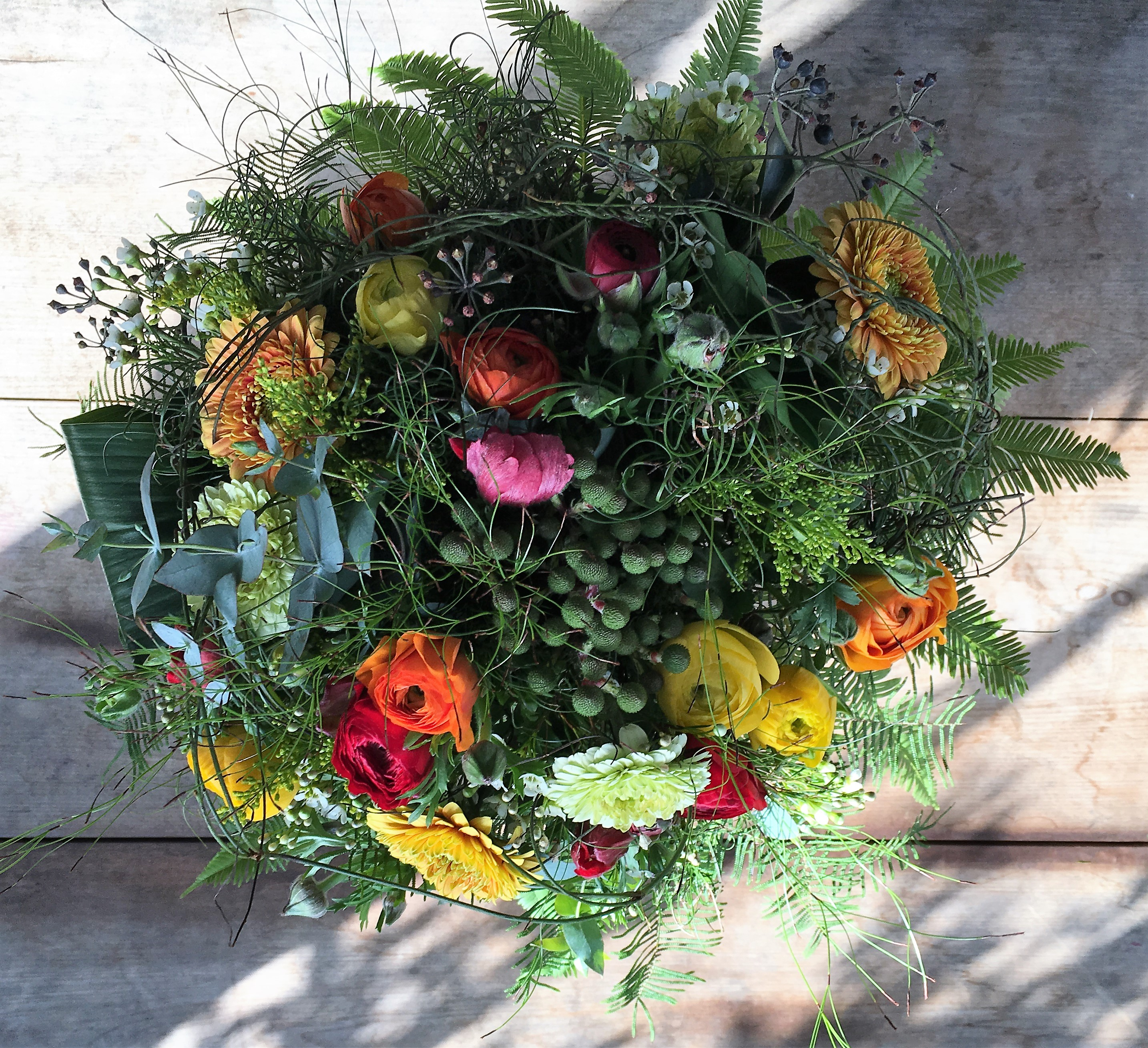 Bouquet de fleurs orange red le sans souci flowers for Bouquet de fleurs wine